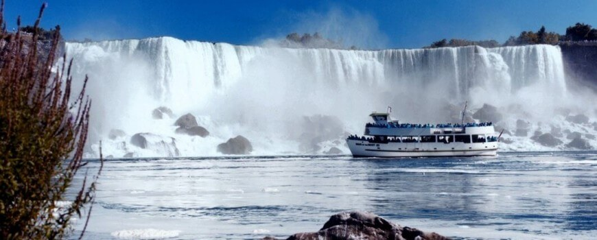 Maid of the Mist Tourist Boat Niagra Falls