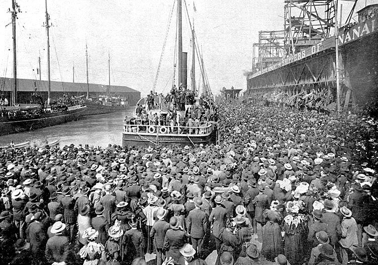 The Excelsior departing San Francisco on July 28, 1897, bound for the Klondike.