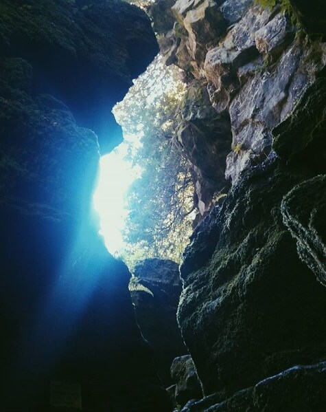 scenic-caves-nature-2